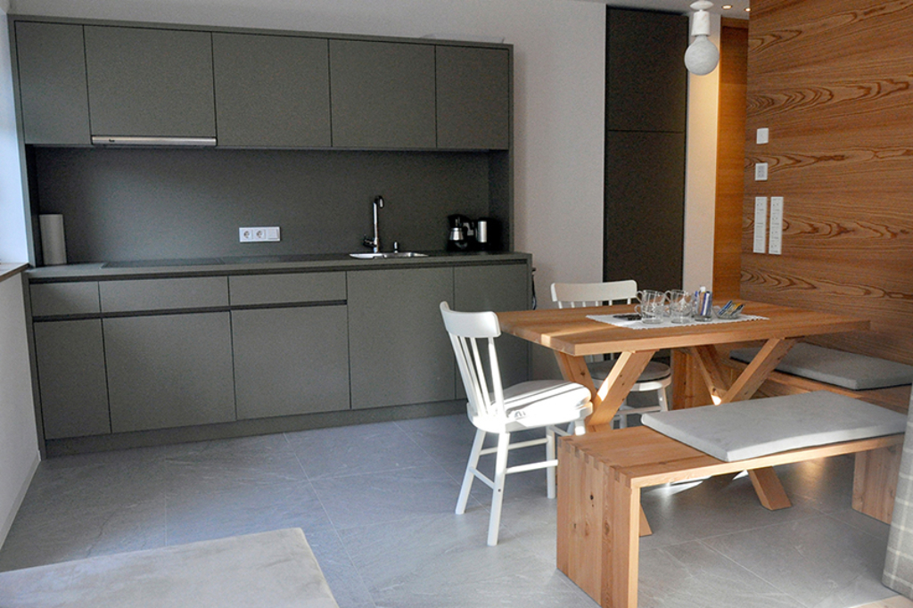 ApartmentsFrieda_Kochzeile_A-2s